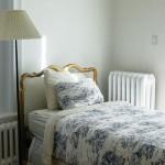 寝苦しい夏の夜、寝るときのエアコン設定温度は?